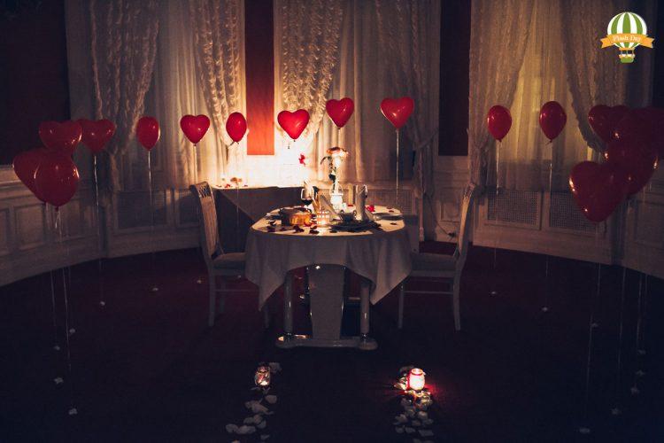 Романтичне освідчення в ресторані