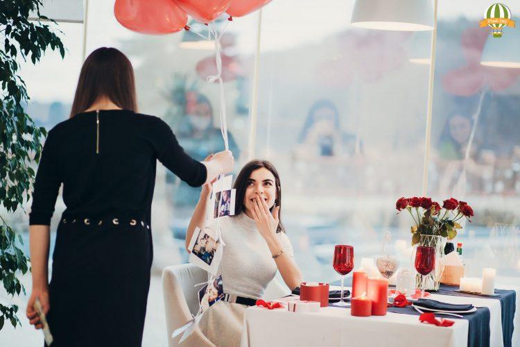 Романтичне побачення-сюрприз в ресторані