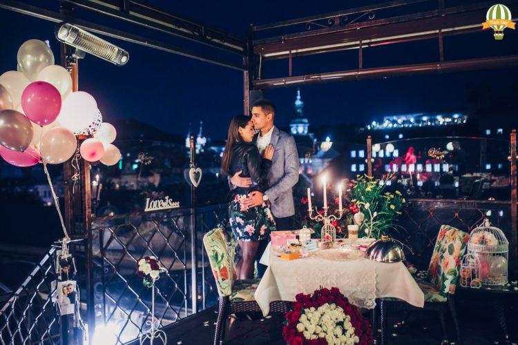 Романтичне побачення на терасі