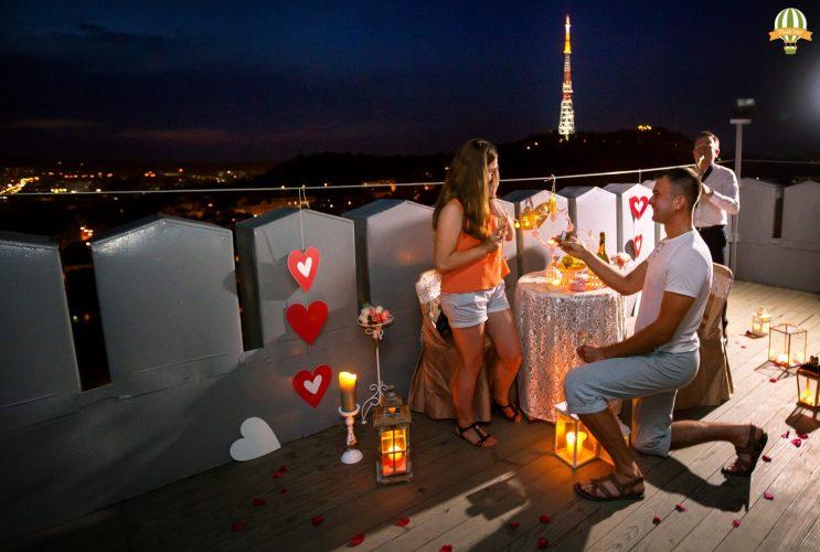 Романтичне освідчення на Ратуші