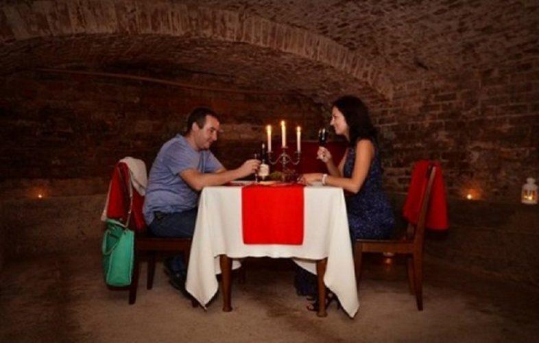Романтичне побачення в підземеллі
