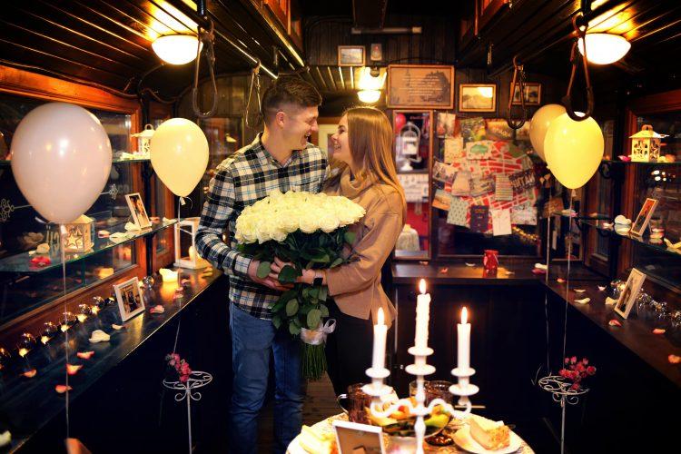 Оригінальне побачення у вагончику