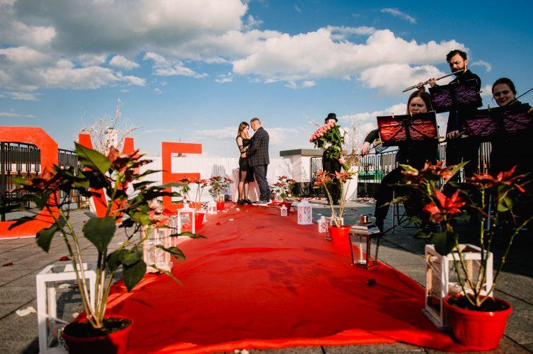 Романтичне побачення на найвищій терасі Львова