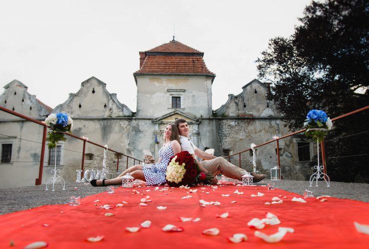 Яскраве побачення біля замку